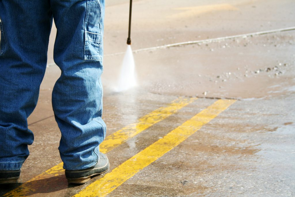 dallas parking lot pressure washing